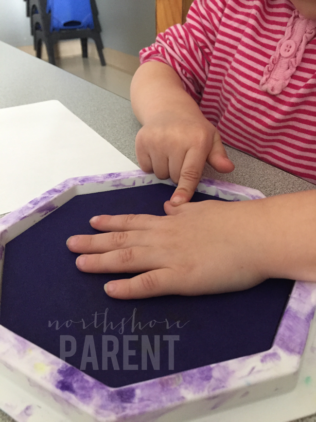 mardi-gras-handprint-craft-2