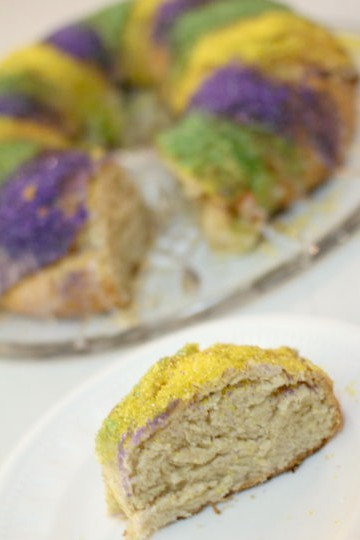 Traditional King Cake Recipe {Like McKenzie's}